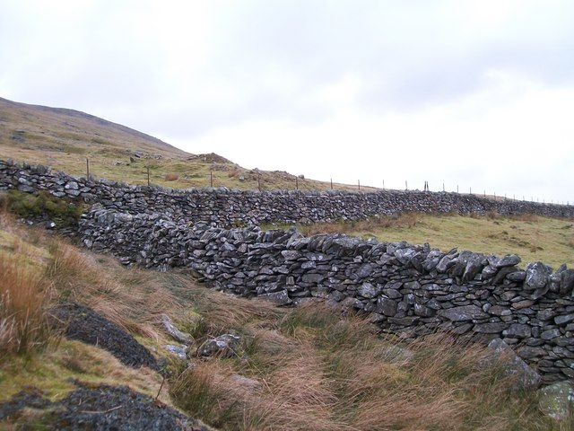 The mountain wall above Marchlyn Quarry