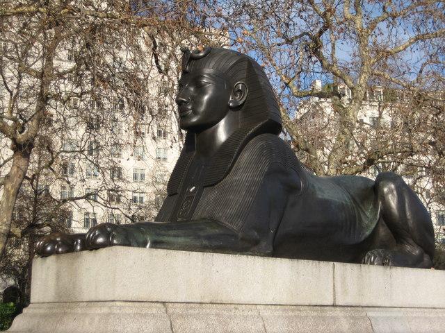 Bronze lion, Cleopatra's Needle