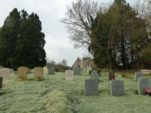A chilly morning in Selborne Churchyard