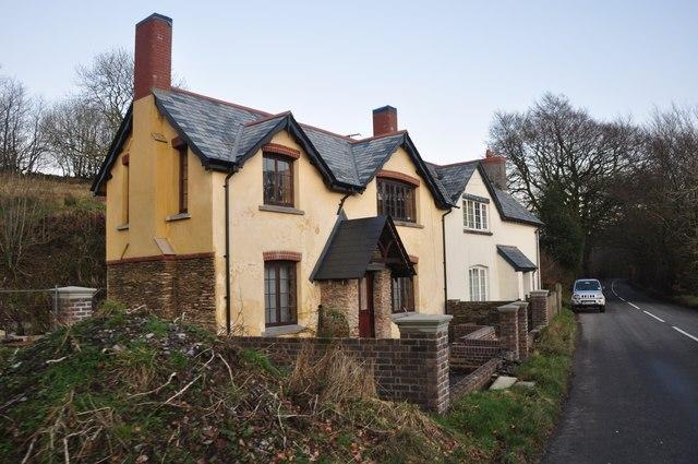 Simonsbath : Houses on the B3358