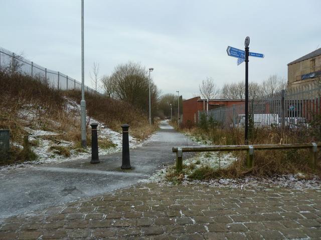 Footpath to Alleytroyds