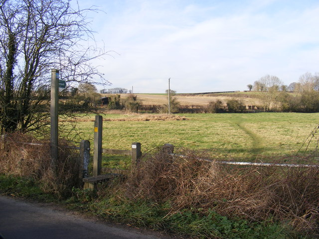 Footpath to Low Road