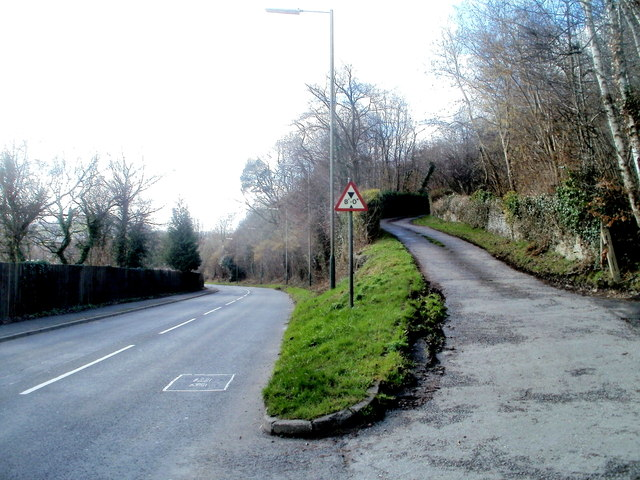 Side road to Graig-y-Rhacca