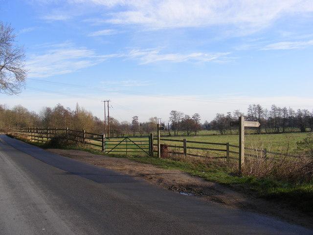 Wells Lane & the footpath to Weybread House