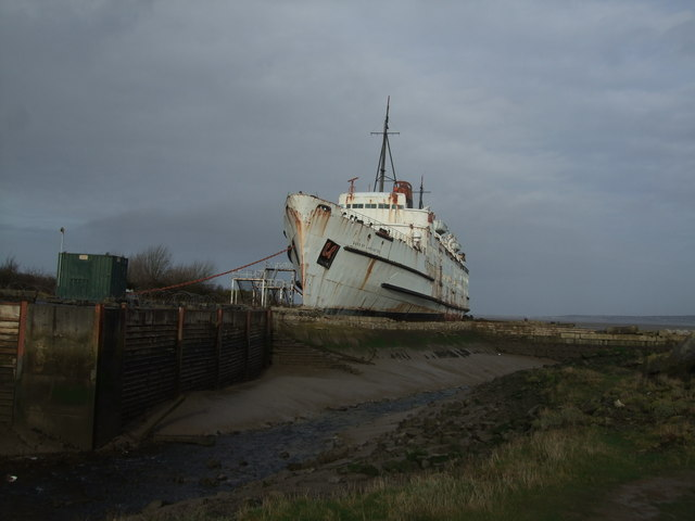 Disused moorings and Duke of Lancaster