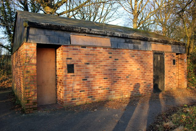 Disused Public Convenience at Hatchmere