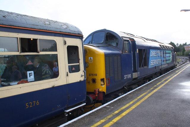 Charter train pauses in Aldershot Station
