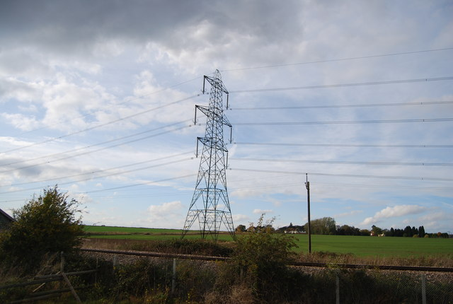 Pylon by the Hundred of Hoo Line