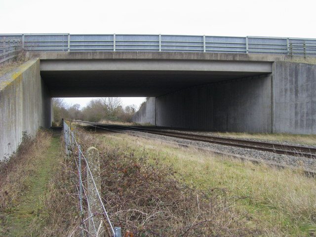 Footpath under the M40