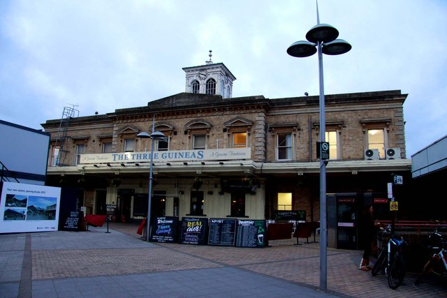 The Three Guineas at Reading Station