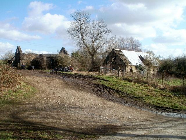 Old farm buildings, Glyn-gwyn Farm, Trethomas