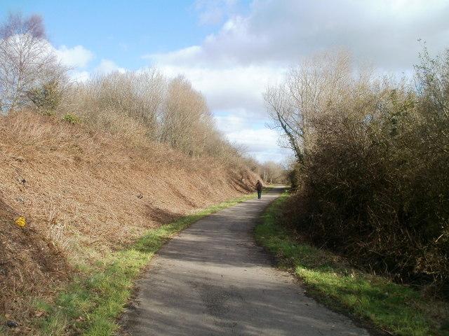 Footpath and cycleway, Trethomas