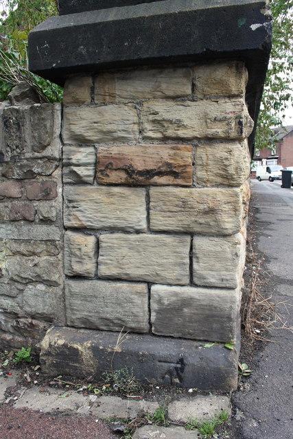 Benchmark on bridge parapet end, Duchess Road