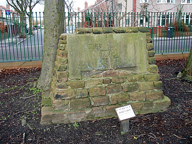 Monument in Moorside Park