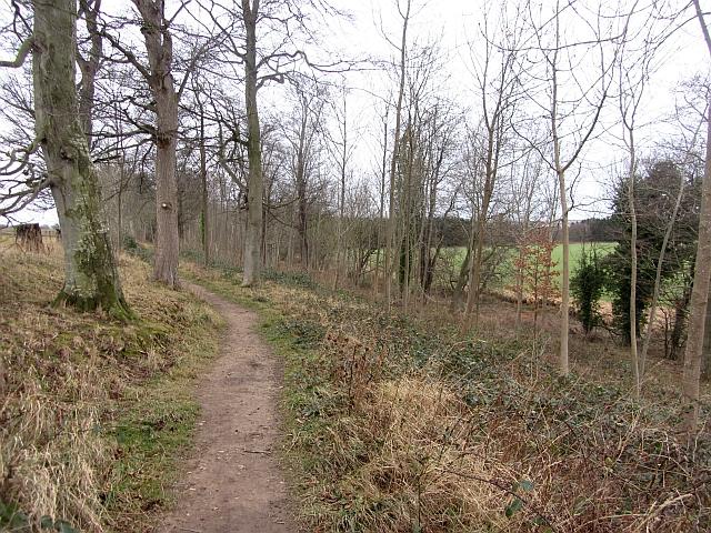 Path between Ormiston and Pencaitland