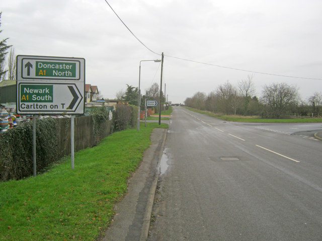 Road junction north of Cromwell