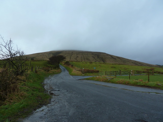 Road to Fell Foot with Parlick in the distance