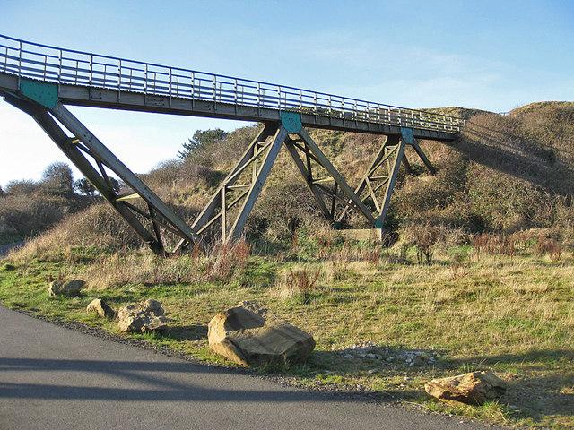 Golfers' footbridge