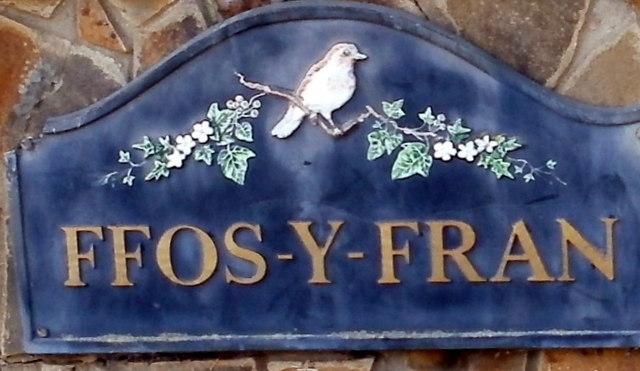 Ffos-y-fran name sign, Bassaleg