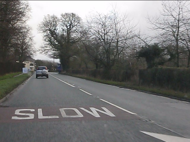 Chelford Road approaching the Dun Cow pub