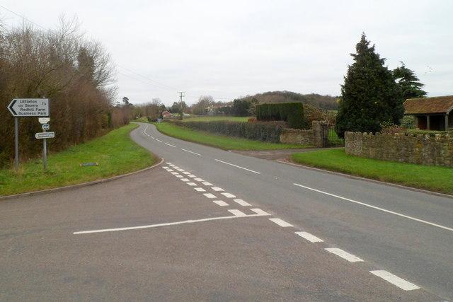 Elberton : turn left here for Littleton-on-Severn