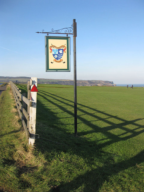 Sign at the entrance to Whitby Golf Club