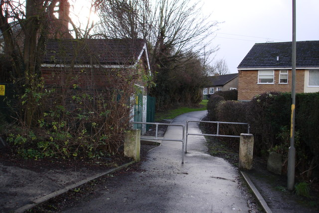Path High Street to Orchard Place