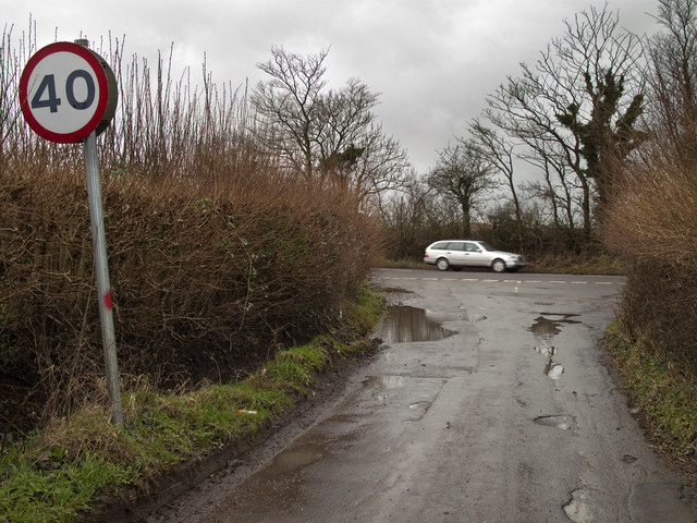 Road Junction on to the A4226