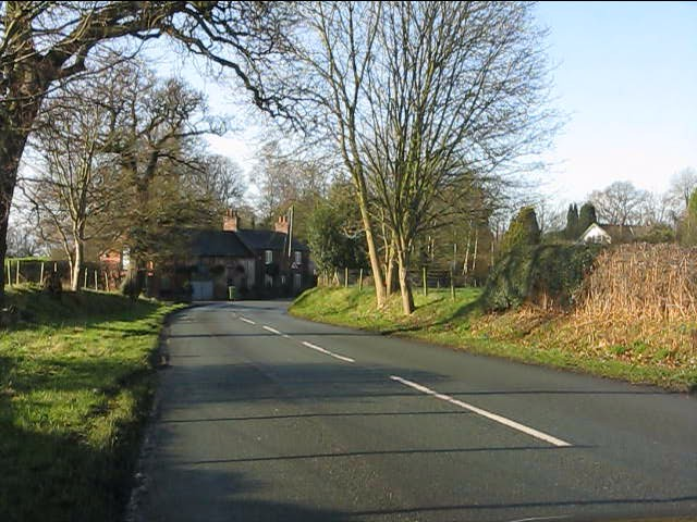 B5392 entering Siddington