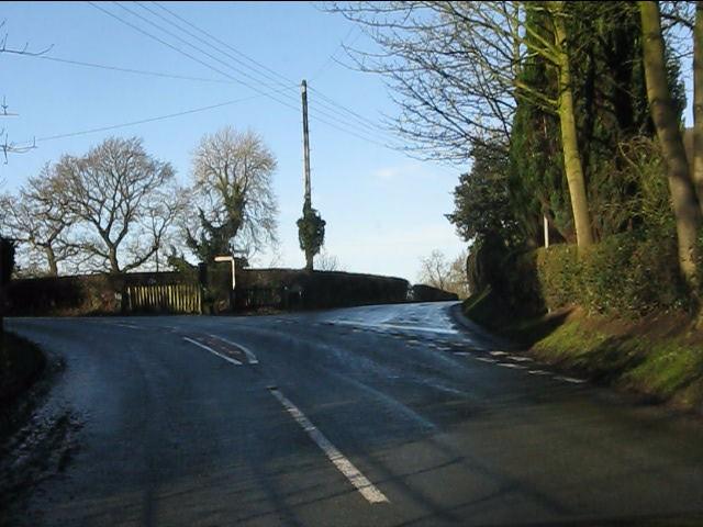 Lane junction, Siddington