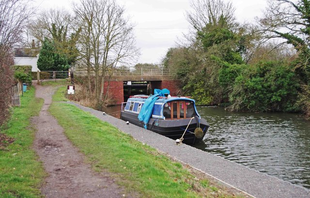 Boat and bridge on the Droitwich Barge Canal