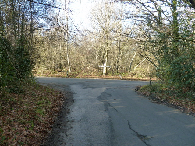 Banks Road junction with Warr's Hill Lane