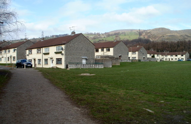 Houses on the NW side of Bryn Field, Bedwas