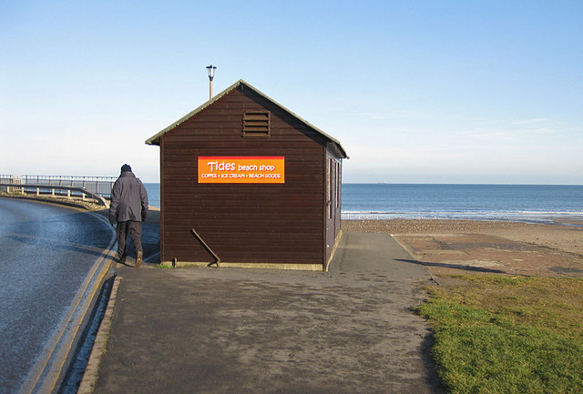 Tides Beach Shop, Sandsend