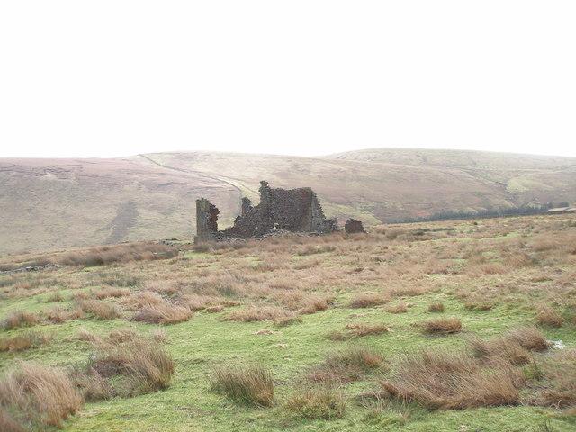 Ruined farmhouse at Coolam