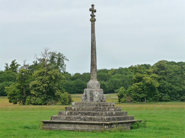 Cross near East Stratton