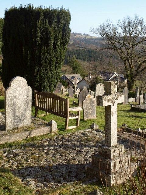 Churchyard, Leusdon