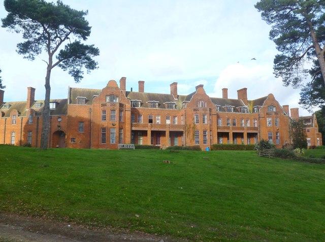 Canford Cliffs, St Ann's Hospital, rear