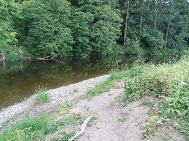 The River Dee at  Ddol
