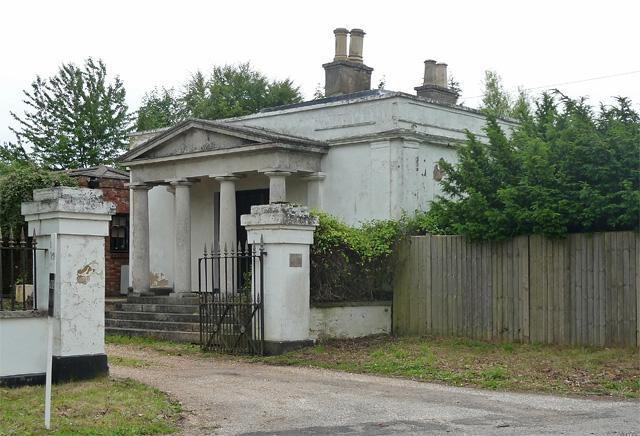 Former lodge near West Stratton (1)