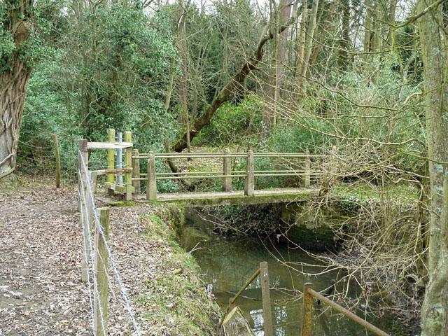 Footbridge on footpath SR414