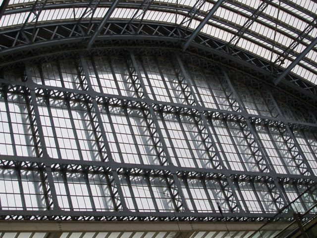 The northern end of the roof of (the old part of) St. Pancras Station