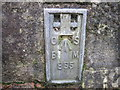 SE0026 : Ordnance Survey Flush Bracket 855 by Peter Wood