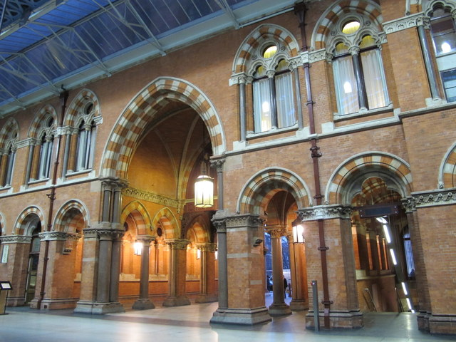 St. Pancras Station - entrance from Euston Road, NW1
