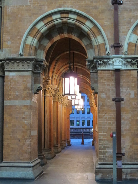 St. Pancras Station - entrance from Euston Road, NW1 (2)