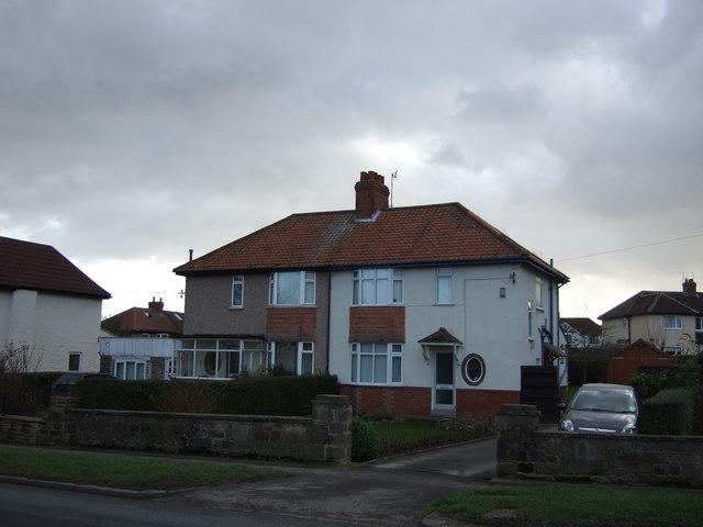Houses on Bilton Lane