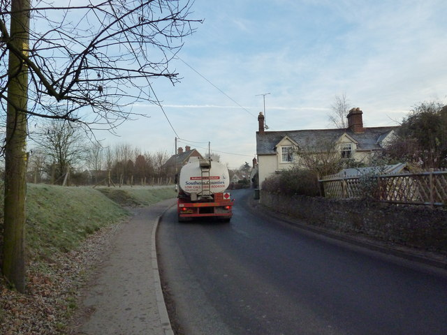 Tanker passing through Selborne on the B3006