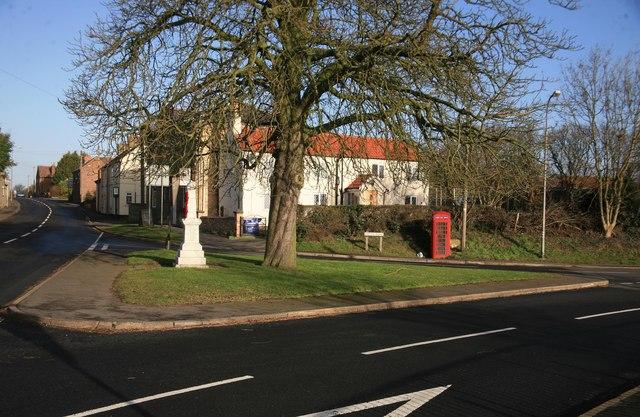 Blyton telephone box and war memorial