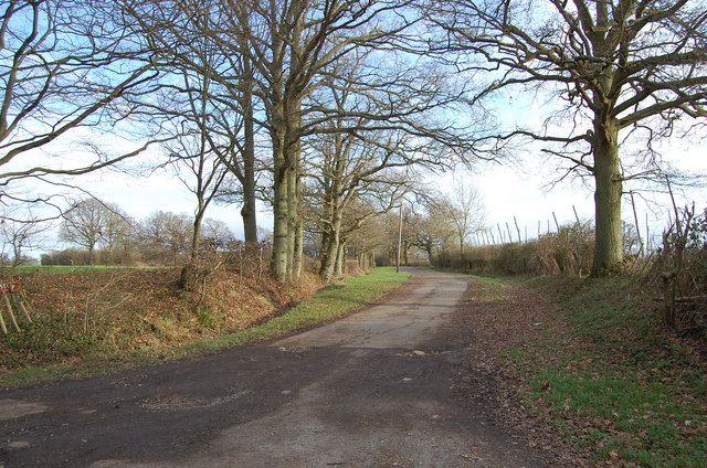 Footpath and drive to Wagstaff Farm