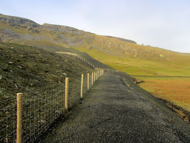 Bridleway beside Dry Rigg Quarry